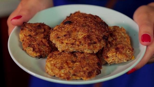 Рецепт диетического овсяного печенья без муки и сахара