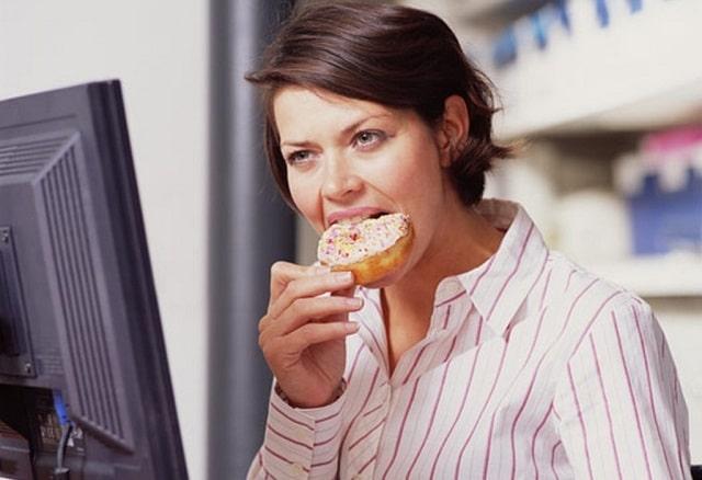 Надо ли исключать сладкие десерты при похудении?