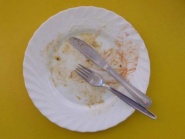 Перекусы на диете: что можно съесть, сколько и когда?