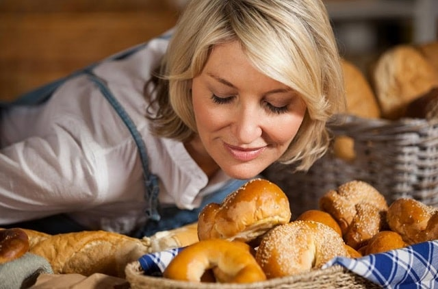 Какое тесто полезнее: бездрожжевое, слоеное, или пресное?